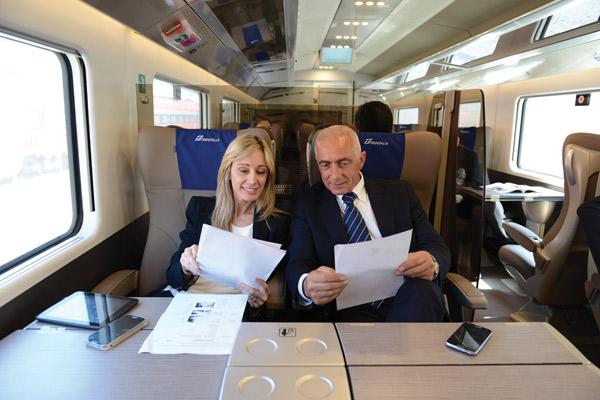 飛行機も列車もビジネスクラスなら、移動も旅の目玉に
