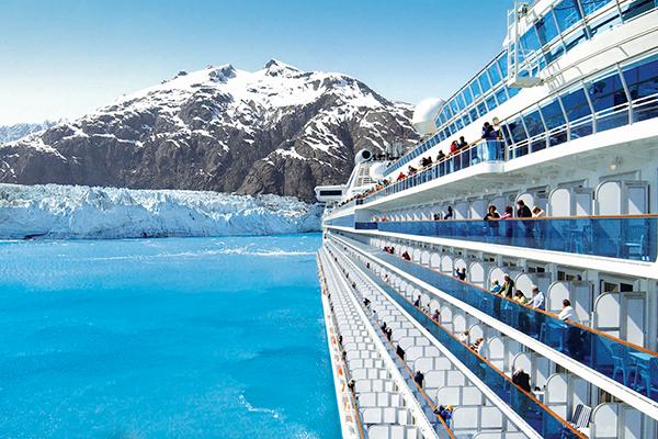 スキーやトレッキングにクルーズ、大きな荷物もビジネスクラスなら安心