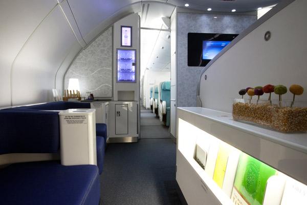 夢のような機内ラウンジ「エアバスA380セレスティアルバー」