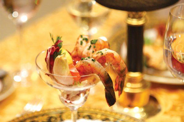 船上の一番の楽しみは何といっても食べること!本場のイタリア料理&選べるお食事