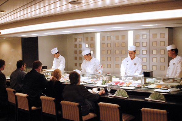 寿司バーを擁する、日本人に合う客船