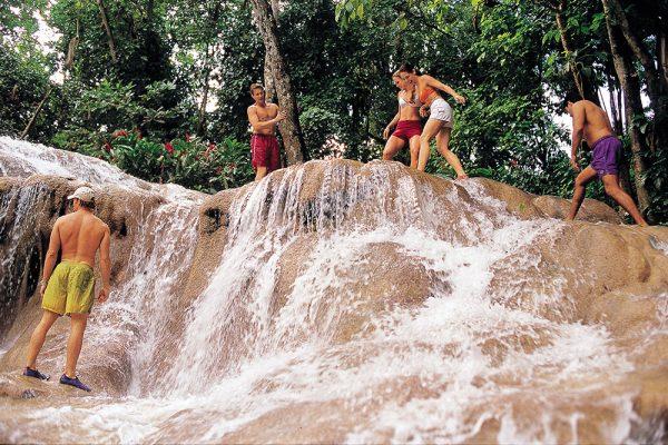 ダンズリバーの滝