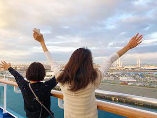 名古屋港出港の様子