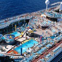 注目!トラベルズー掲載!《13万8千トン「ボイジャー・オブ・ザ・シーズ」》船内が楽しい人気客船&ビジネスクラス利用で超お得!