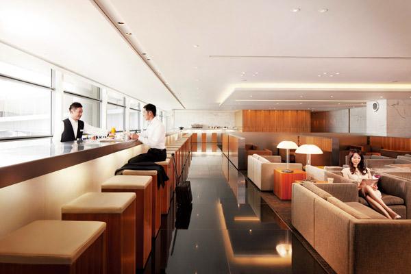香港グルメ旅行のシメは空港ラウンジの担々麺!