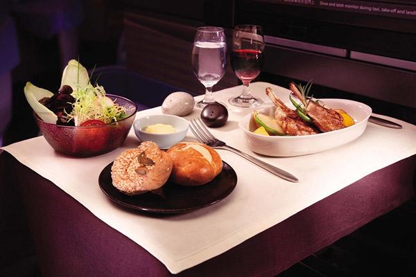食の都・香港らしいビジネスクラスの機内食