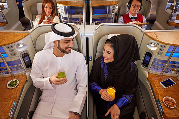 エミレーツ航空が誇る 『空飛ぶ宮殿』 A380のビジネスクラス・キャビン