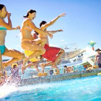 夏休みはクルーズ旅行!ご希望の出発日から検索できる!《7-9月夏のクルーズツアー特集》
