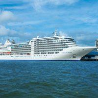 超・豪華客船「シルバー・ミューズ」が東京・晴海に初入港