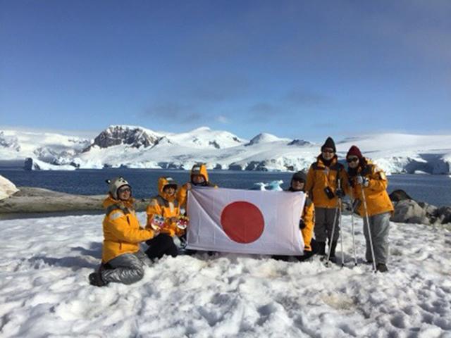 オーシャン・エンデバー南極探検 南極大陸に上陸!